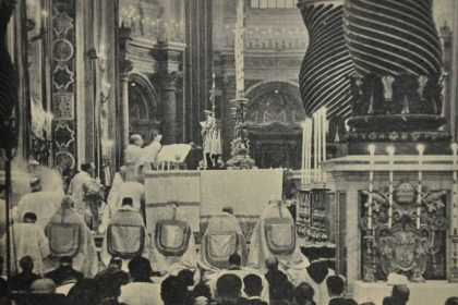 Pope gives away Peter's bones  - PrayTellBlog